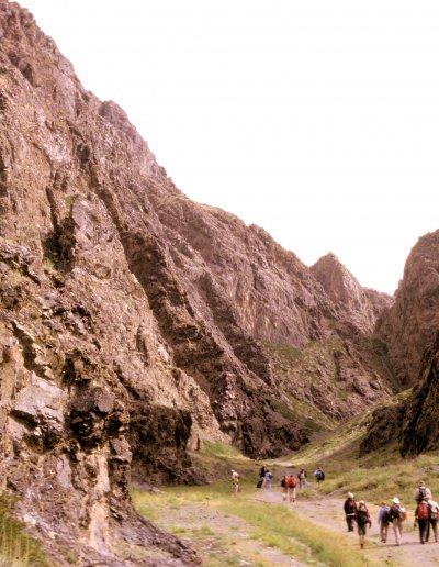 gobi_yol valley_hikers