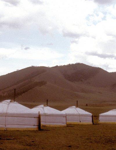khan khentii_tented camp