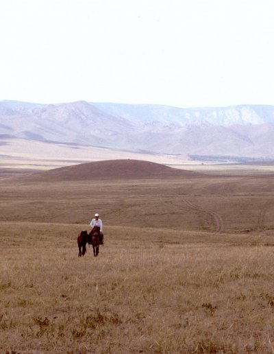 mongolia_horseman on steppes