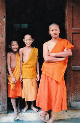 vientiane_buddhist monks