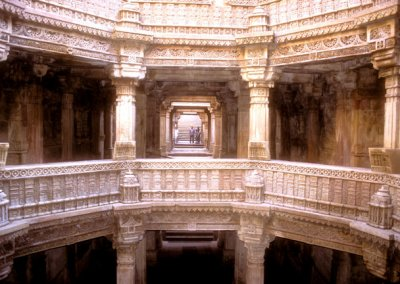 ahmedabad_adalaj vav_lower level