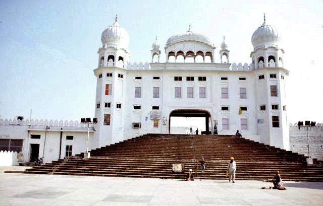 anandpur sahib_kesgarh sahib gurdwara_entrance gate