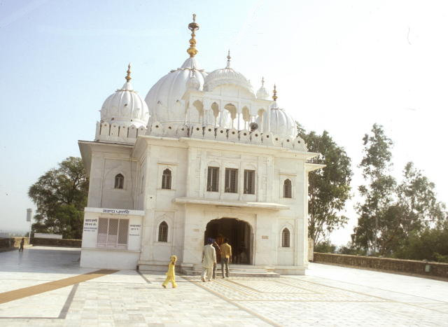 anandpur sahib_sisganj sahib gurdwara