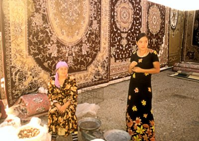 ashgabat_tolkuchka bazaar_carpets for sale