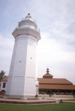 banten_agung mosque_menar