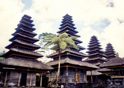 besakih_ratu pande_meru towers