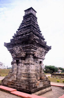 blitar_candi penataran_dated temple