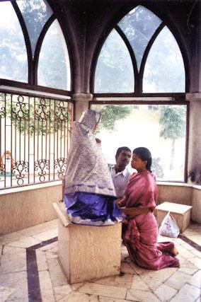 chennai_san thome basilica_christian devotees