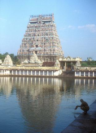 chidambaram_nataraja temple_shivaganga tank and gopura