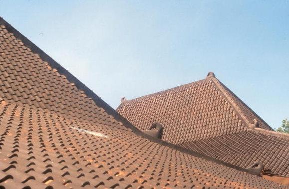 cirebon_kesepuhan kraton_rooftops