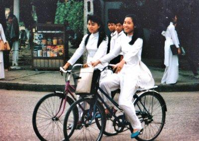danang_cyclists