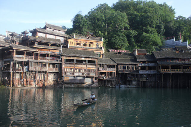 fenghuang_tuo river scene_3