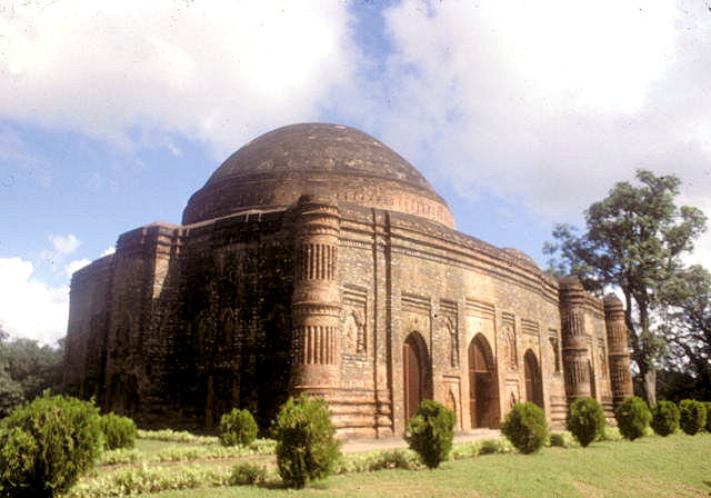 gaur_lattan masjid