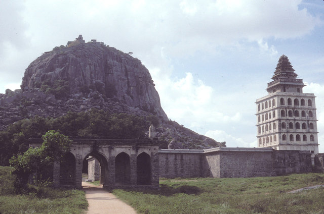 gingee_kalyana mahal and rajagiri hill