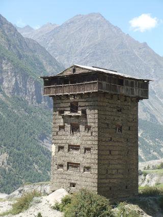 gondhla_castle tower
