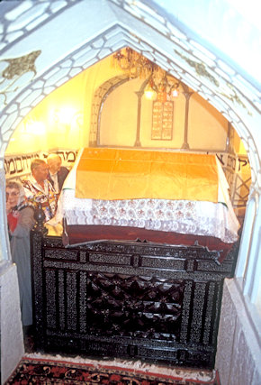 hamadan_shrine of esther and mordechai