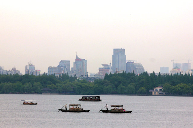 hangzhou_west lake and city view