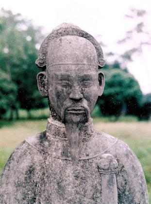 hue_ming mang's mausoleum_stone sculpture