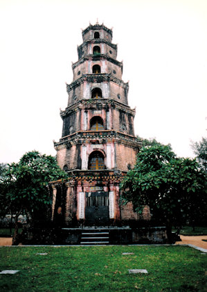hue_thien mu pagoda