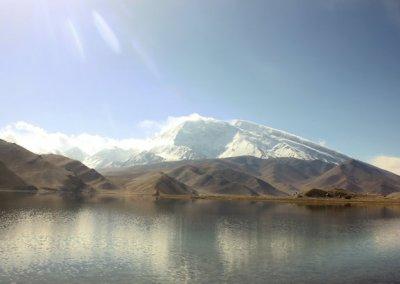 karakoram highway_karakul lake and mt mustagh ata