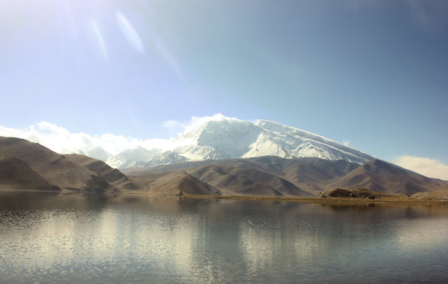 karakoram highway_karakul lake and mt mustagh ata