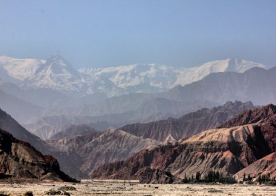 karakoram highway_river bed