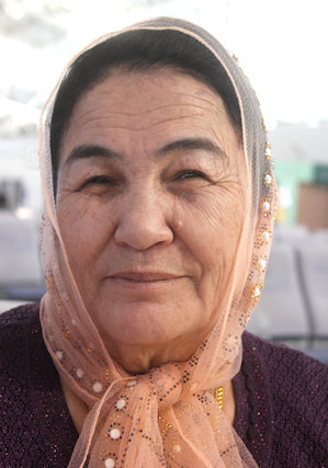 kashgar_uighur woman