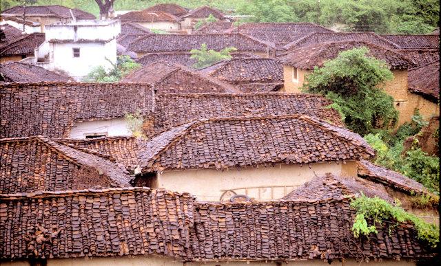 kawardha_village rooftops
