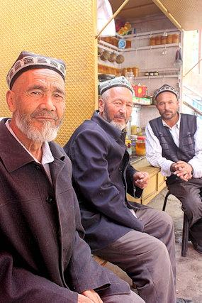 khotan_uighur men
