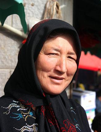khotan_uighur woman