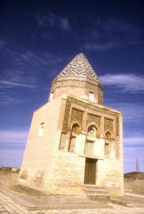 konye urgench_mausoleum of il arslan