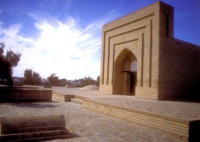 konye urgench_mausoleum of piryarvali