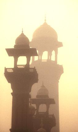 lahore_badshahi mosque_minarets
