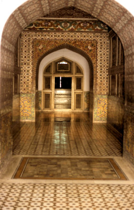 lahore_jahangir's tomb_interior_1
