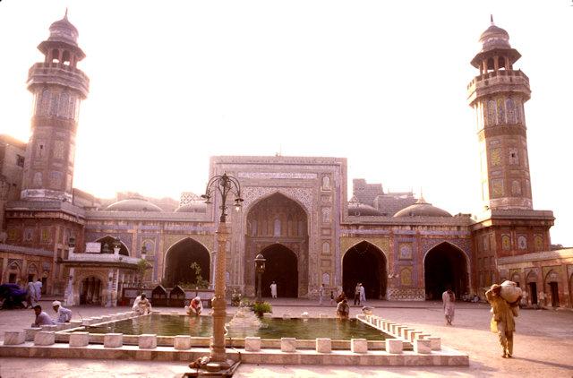 lahore_wazir khan mosque