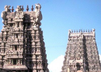 madurai_minakshi temple_gopuras