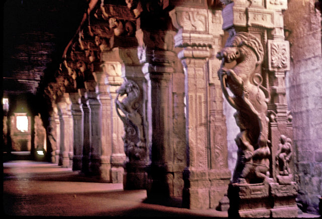 madurai_minakshi temple_thousand pillared hall