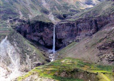 manali_waterfall