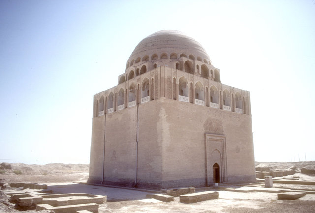 merv_mausoleum of sultan sanjar