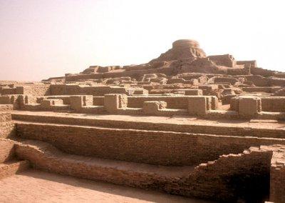 moenjodaro_stupa and great bath