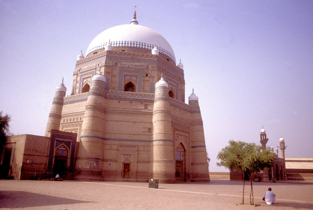 multan_tomb of sheik rukn-i-alam