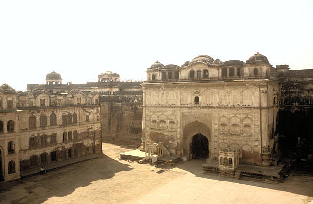 patiala_qila mubarak_entrance gate and courtyard