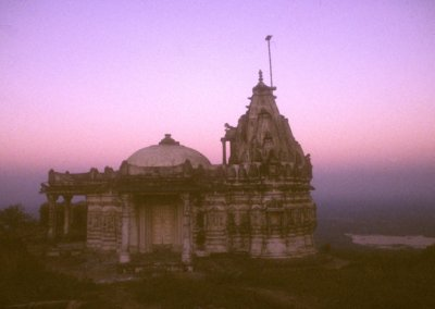 pawagadh_jain temple at dusk