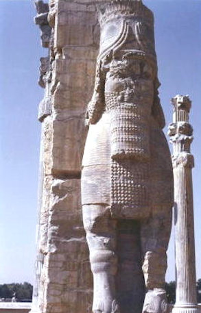persepolis_gate of all nations_1