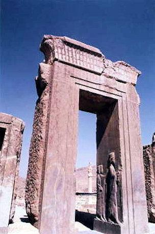 persepolis_ruins_2
