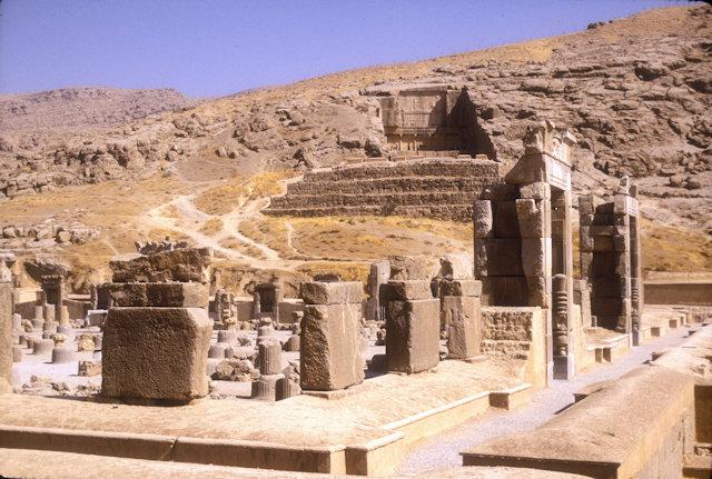 persepolis_ruins_4