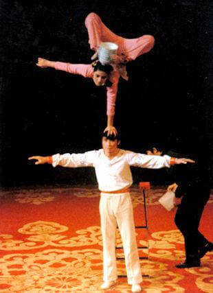 shanghai_acrobats
