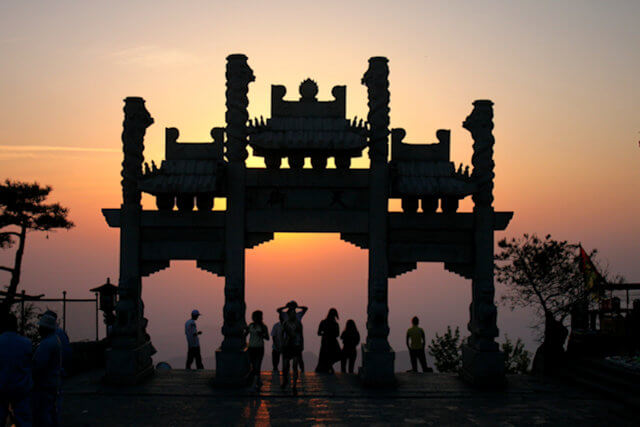tai shan_daiding archway