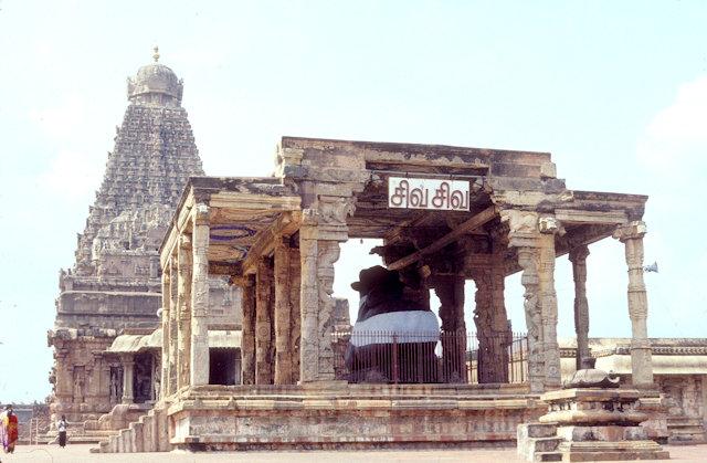 tanjore_brihadishvara temple_nandi mandapa
