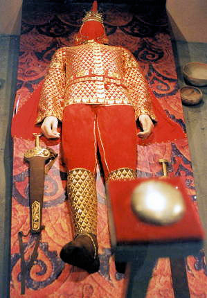 taraz_replica of golden warrior
